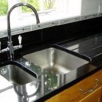 Como eliminar o mau cheiro da pia da cozinha