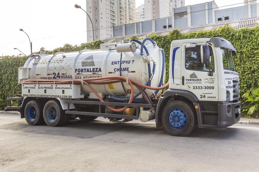 caminhão limpa fossa