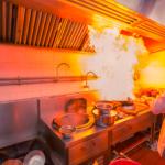 Como limpar coifa de restaurantes sem ajuda profissional